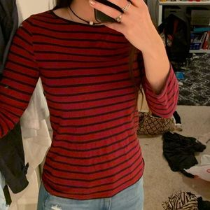 maroon and navy striped t shirt